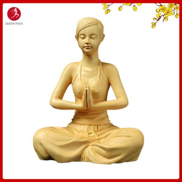 tượng cô gái Yoga trang trí
